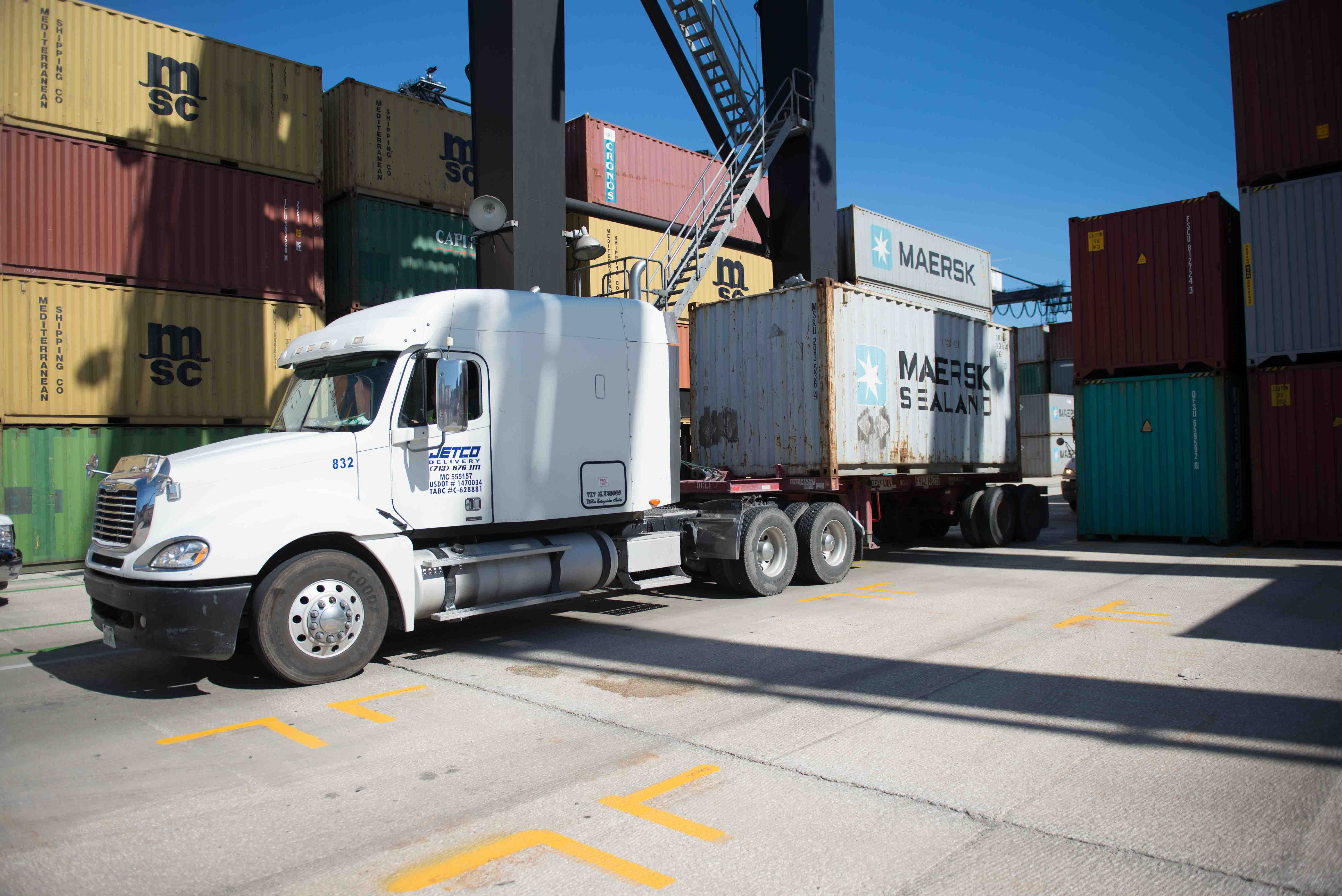 Moving Cargo in 2017: A Trucking Perspective